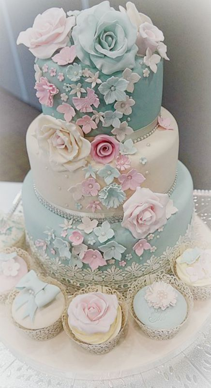 Wedding Cake Pink Off White Lavender And Silver Would Be Beautiful With Deep Purple Accented Wedding Wedding Cakes Pinterest Wedding Cake Pink
