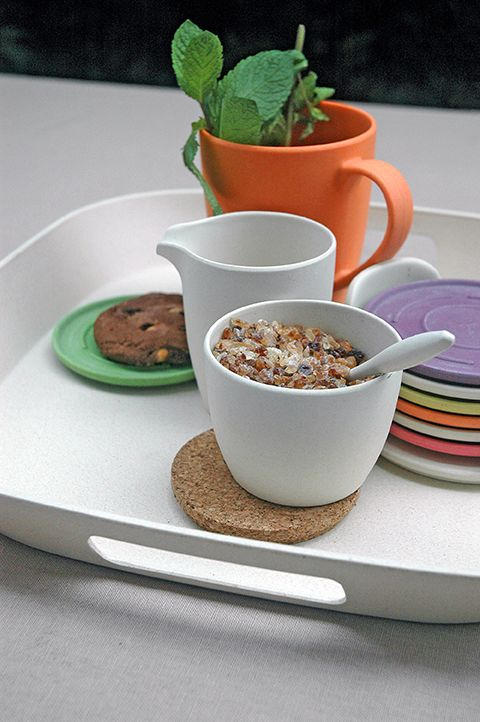 DASH & DULCE. Milk & Sugar set, based on bamboo-fiber material. with cork lid. Coconut White
