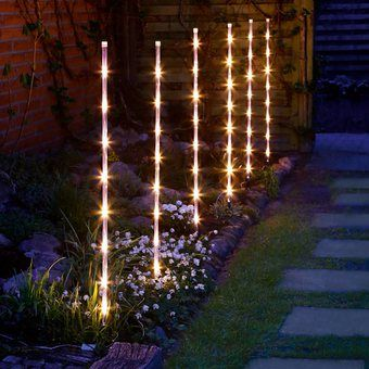 6 Consejos Para El Diseno De Jardines Luces De Navidad Exteriores Decoracion Exterior Navidad Arbol De Navidad Con Luces