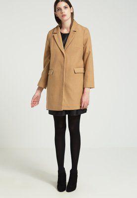 Klassischer mantel camel
