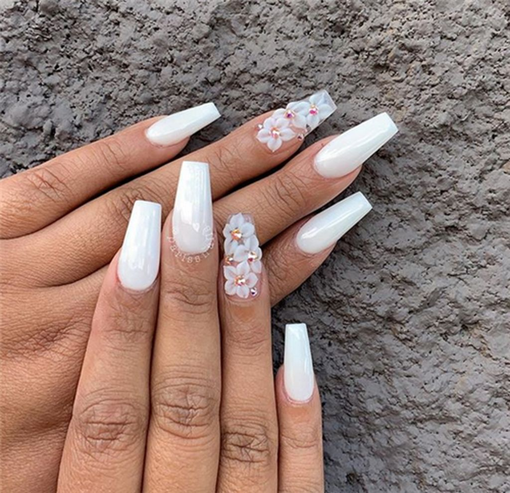 45 Elegant Wedding Nail Art Ideas For Brides Quinceanera Nails White Acrylic Nails Nail Art Wedding