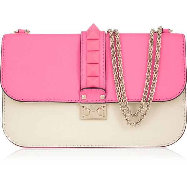 Valentino Glam Lock studded leather shoulder bag (118,200 MKD) ❤ liked on Polyvore featuring bags, handbags, shoulder bags, purses, valentino, pink, genuine leather handbags, leather shoulder bag, purse shoulder bag and leather handbags