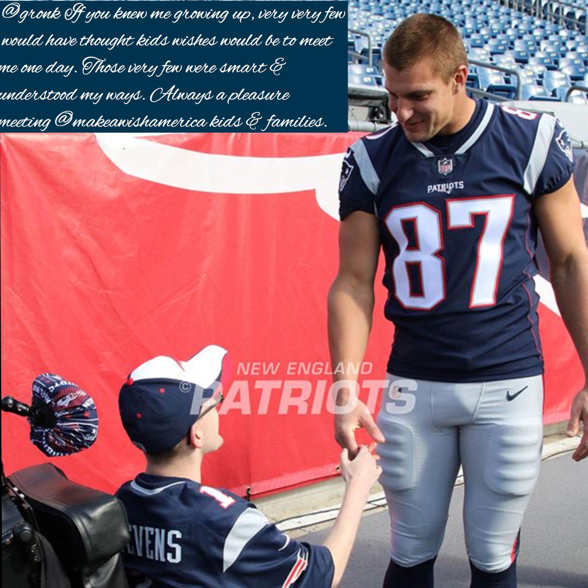 Pin By Deb Schneider On Rob Gronk Gronkowski New England Patriots Football New England Patriots Gronkowski