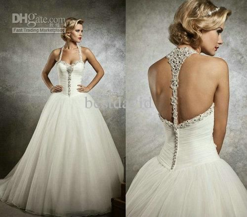 Den ryggen på kjolen er fantastisk.. Wholesale Crystal Wedding - Buy Sweetheart Crystal Backless Wedding Dresses 2013 Tulle A-Line Beaded Pearl Basque Chapel Train 8637, $207.95 | DHgate