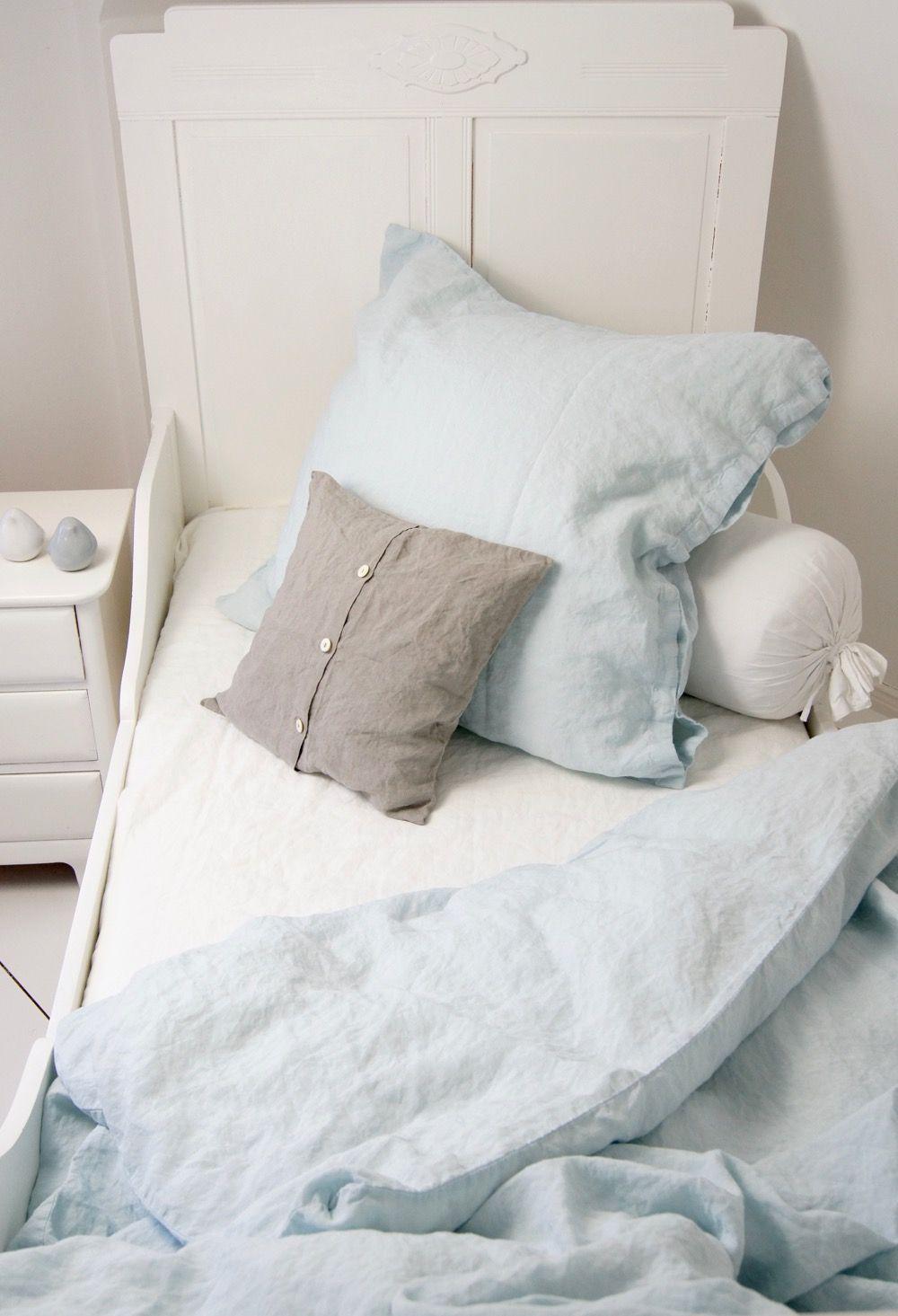leinen bettw sche stone washed bedlinen in der trendfarbe des sommers hellblau http boheme. Black Bedroom Furniture Sets. Home Design Ideas