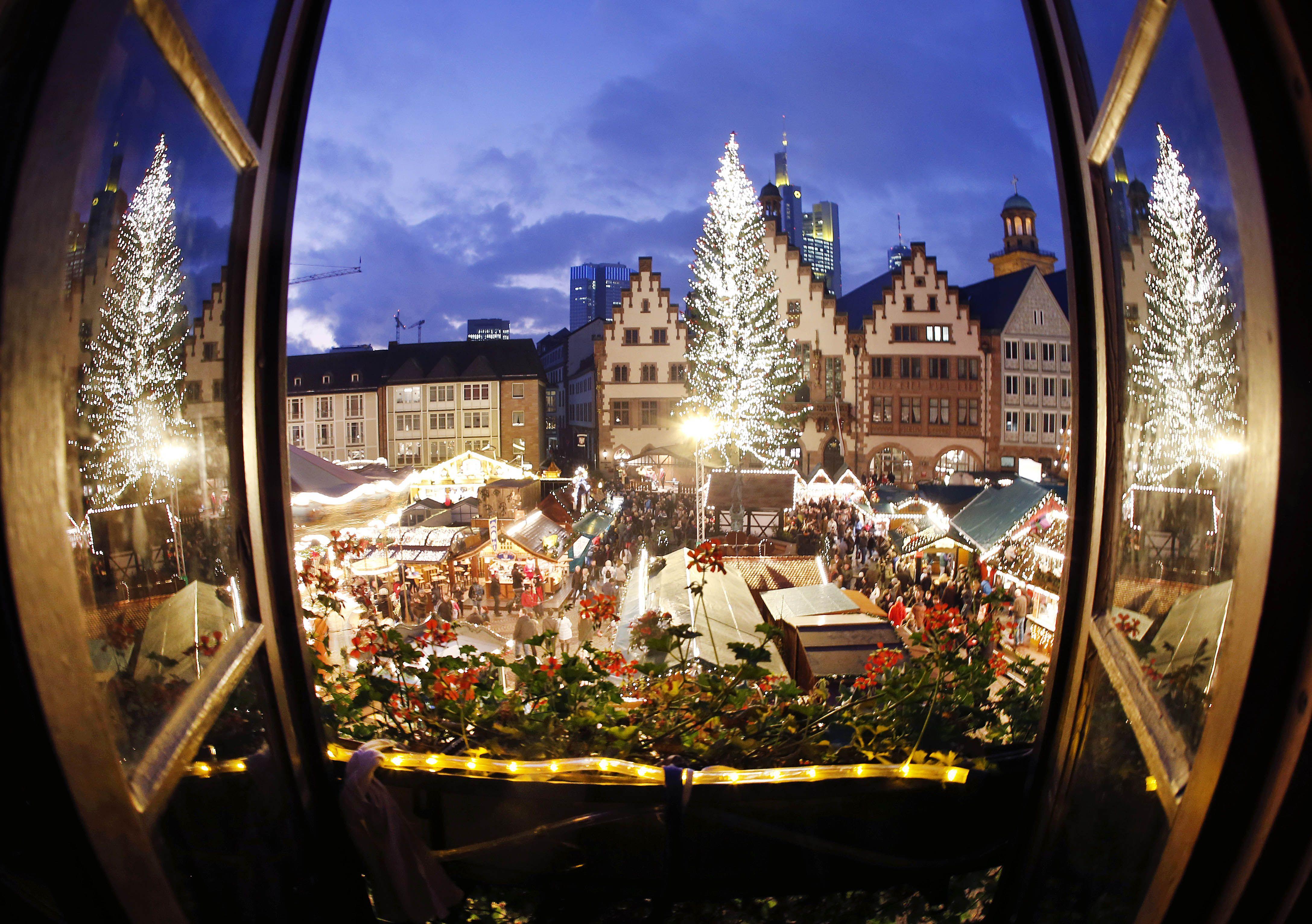 4 dhjetor, 2015 Christmas in europe, Christmas markets
