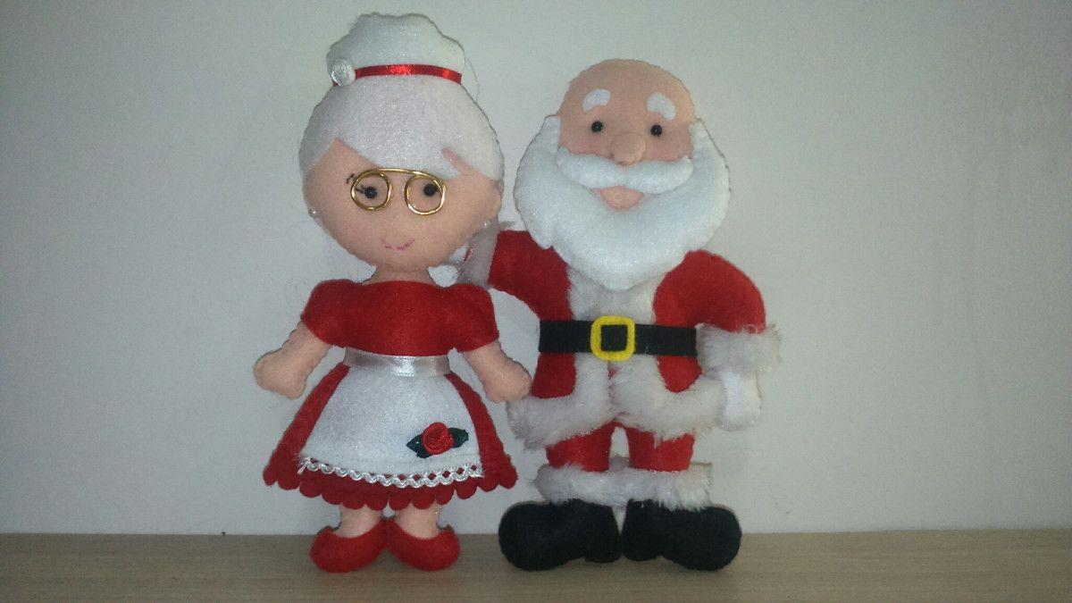 Papai e mamãe noel, feitos em feltro, 19cm de altura.