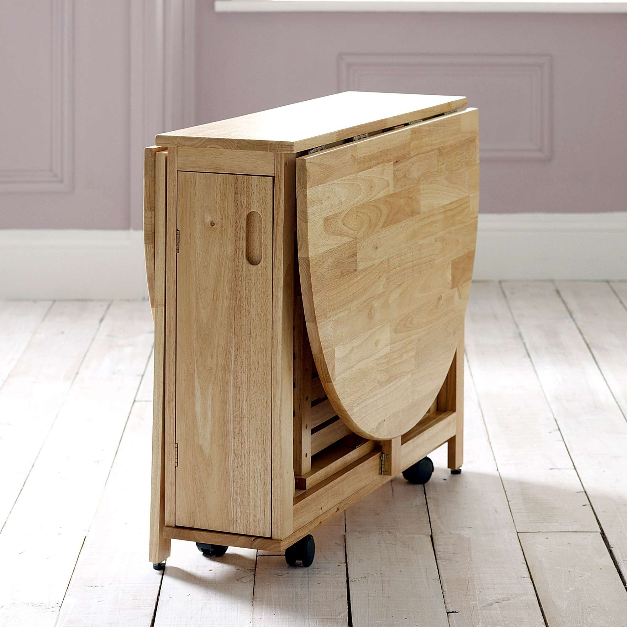 Butterfly Table With Fold Away Chairs