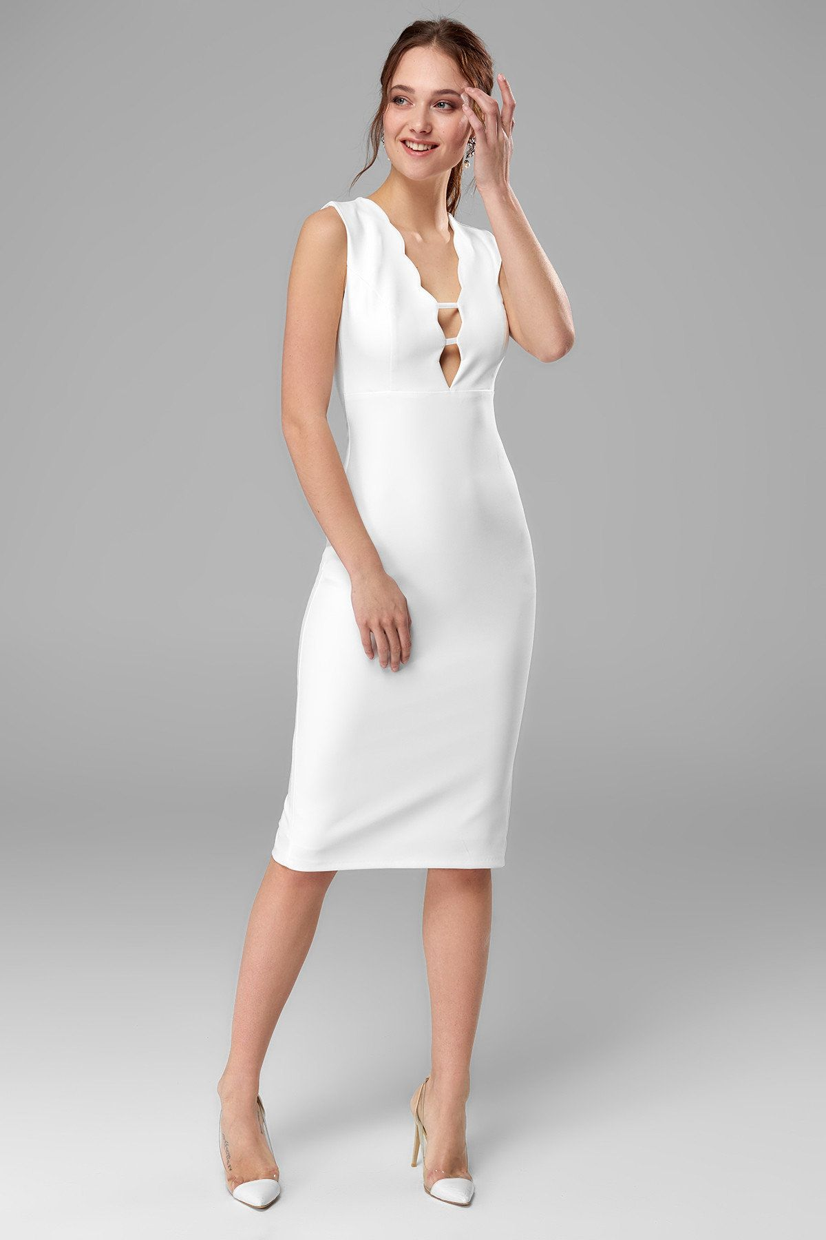 64 99 Tl Beyaz Yaka Detayli Nikah Elbisesi Tprss18bb0282 Trendyolmilla Trendyol Siyah Abiye Elbiseler Giyim