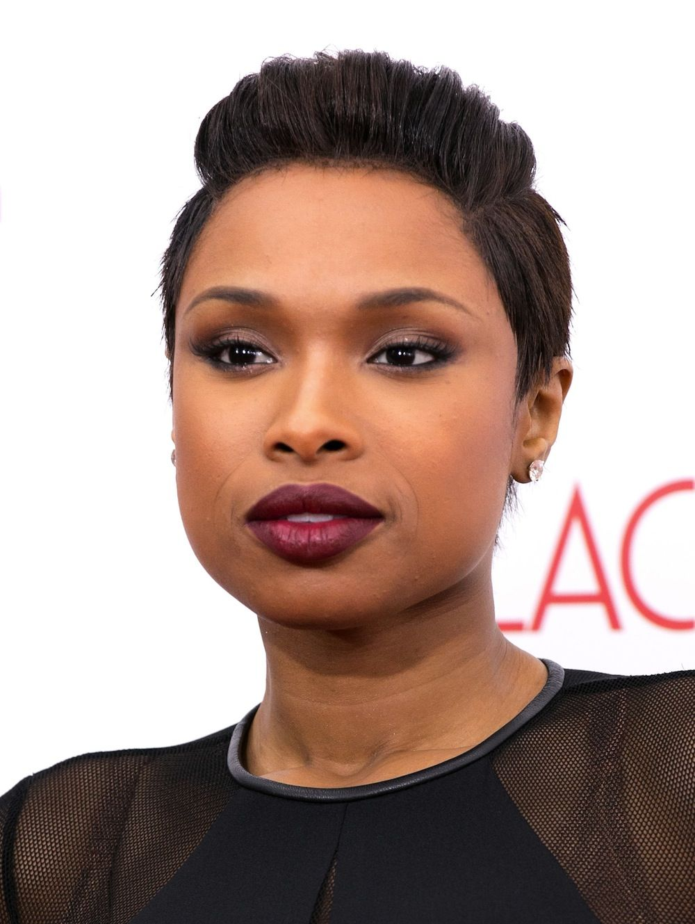 jennifer hudson short hairstyle with waves | celebrity hairstyles