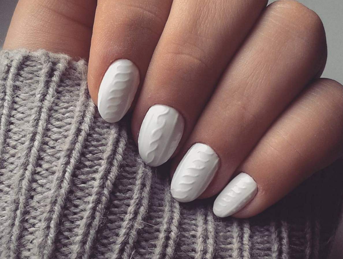Show Off Your Love Of All Things Knit With An Oh So Trendy Textured Nail Look This Manicure Combines The Two Our Favorite About Winter Cozy