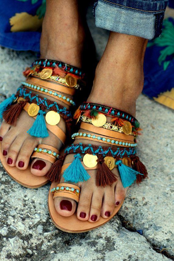 Sandales en cuir fait à la main, orné de cristaux de