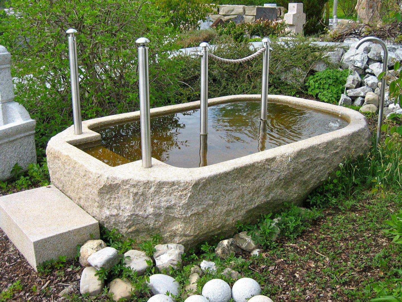 Kneippbecken Aus Naturstein Brunnencenter Allgau Natursteine Wasserbecken Garten Naturschwimmbecken