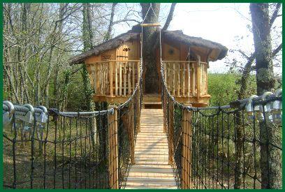 Dormir dans une cabane perchée dans les arbres - Les Cabanes de Chanteclair - Accueil
