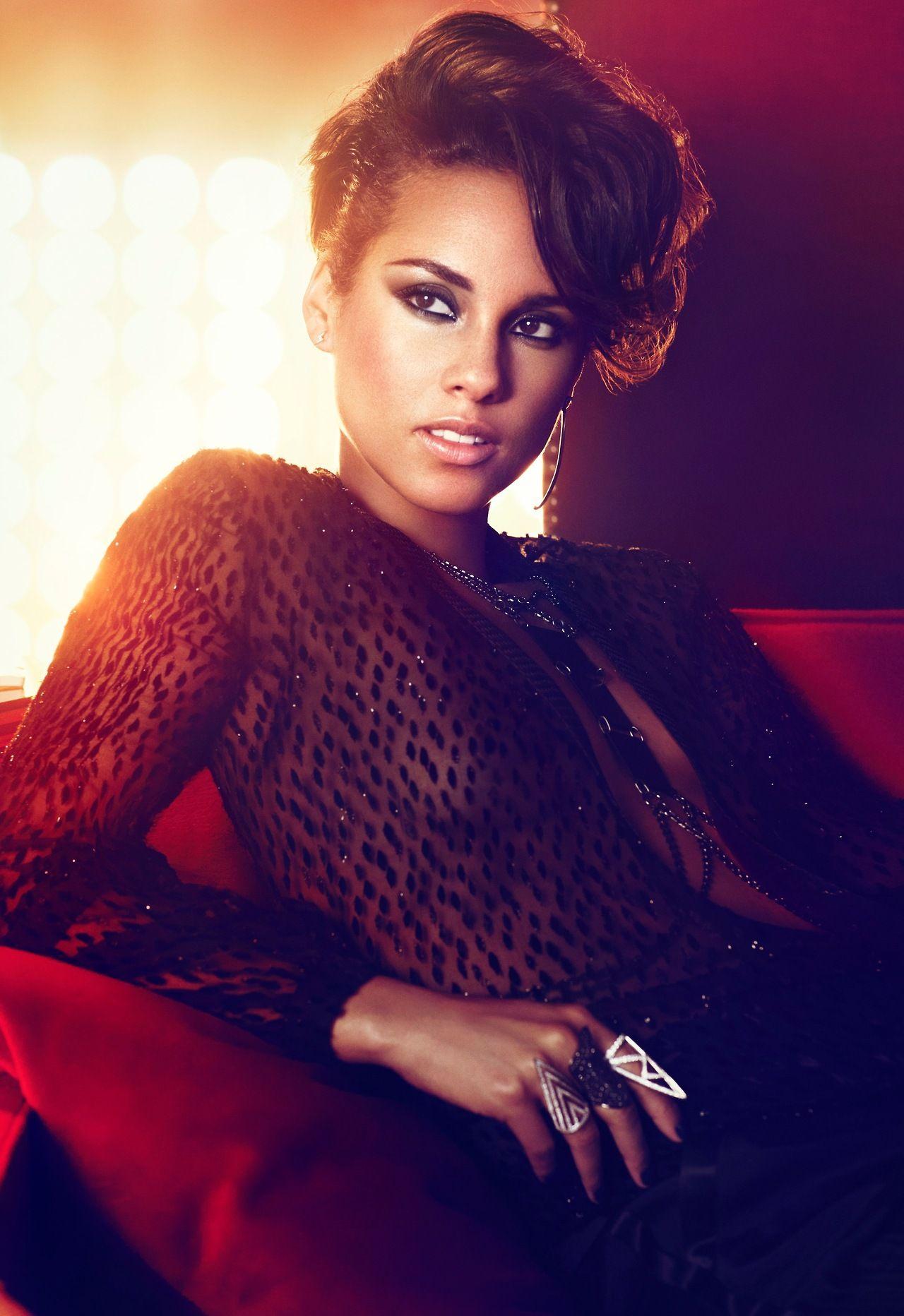 Alicia Keys Girl On Fire Album Release Lynn Ban Jewelry