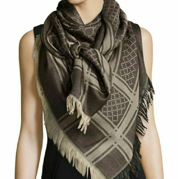 Gucci scarf good condotion Gucci Accessories Scarves & Wraps