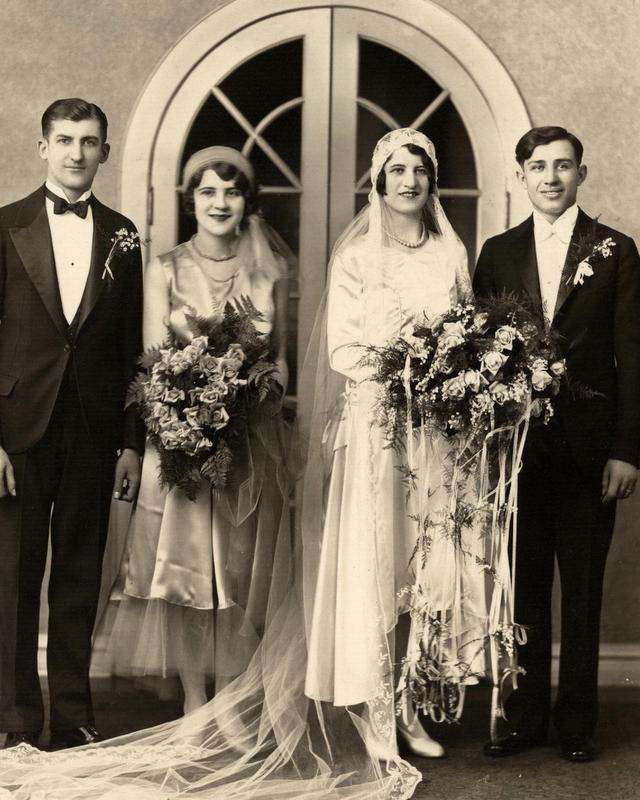 Stunning Deco 30s Vintage Wedding Photo In Satin Wow