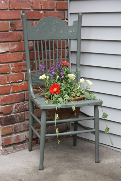 Marvelous Use Any Old Chairs As Planters. What A Cool Idea!