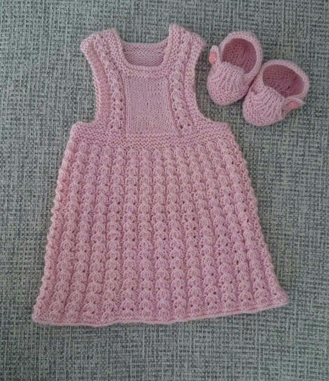 Vauvan mekko ja tossut