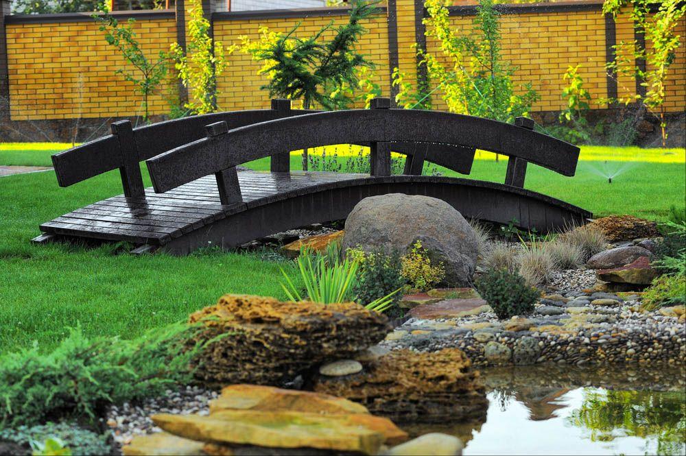 24 Incredible And Varied Garden Bridge Designs In 2020 Garden