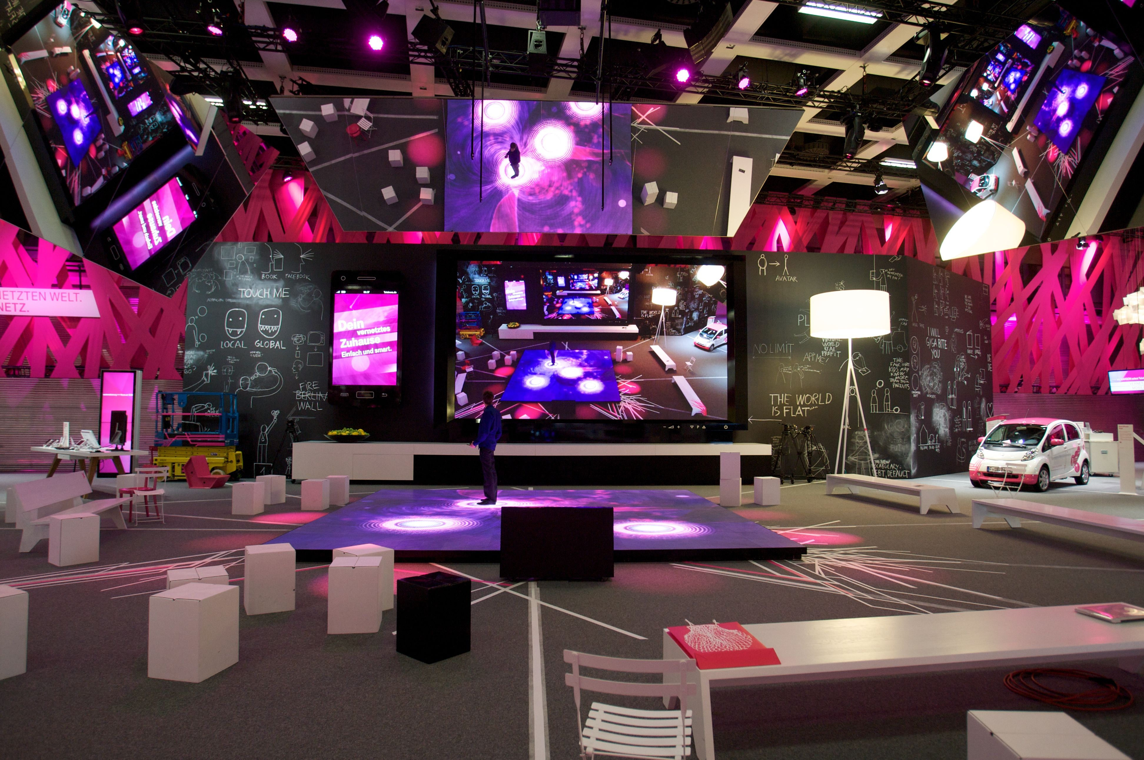 Virtual Exhibition Stand : Magenta power really digi sign exhibition booth