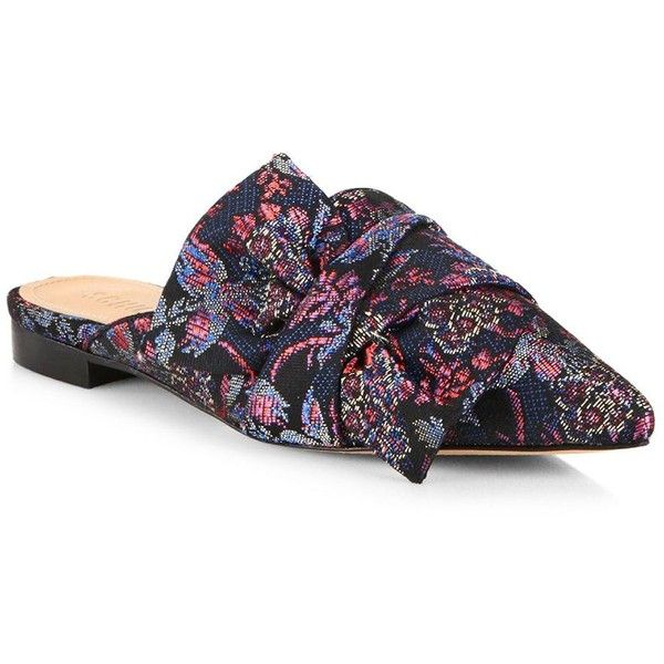 Schutz Dana Printed Flat Mules (3.265 ARS) ❤ liked on Polyvore featuring shoes, slip on shoes, mule shoes, flat mules, flat shoes and floral print shoes