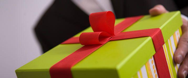 Boss christmas gift etiquette