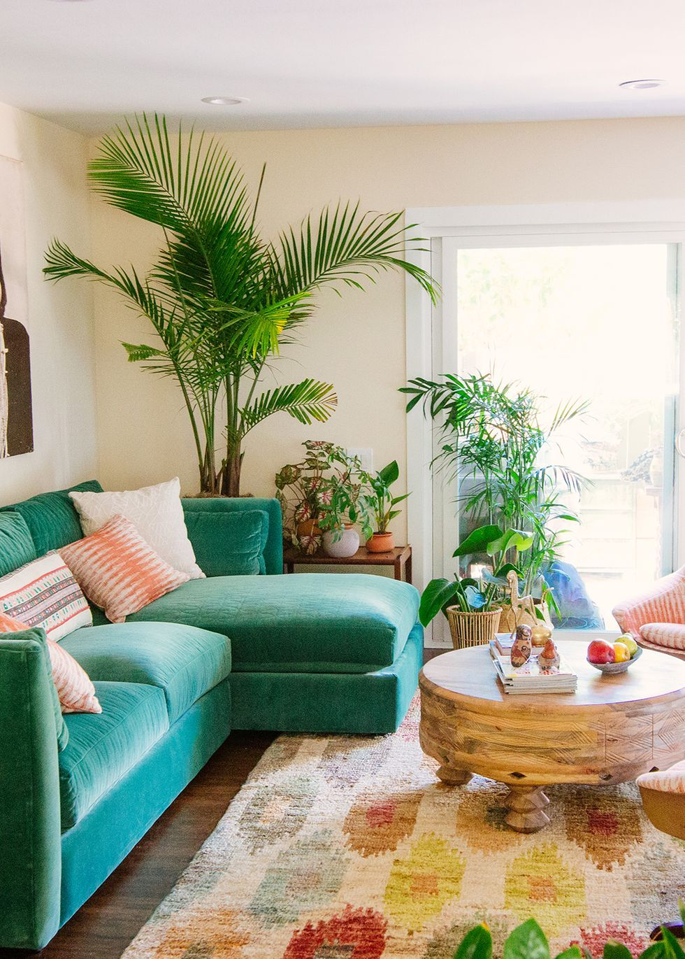 Here S Exactly How To Master Justina And Faith Blakeney S Jungalow Style Tropical Home Decor Tropical Living Room Eclectic Living Room