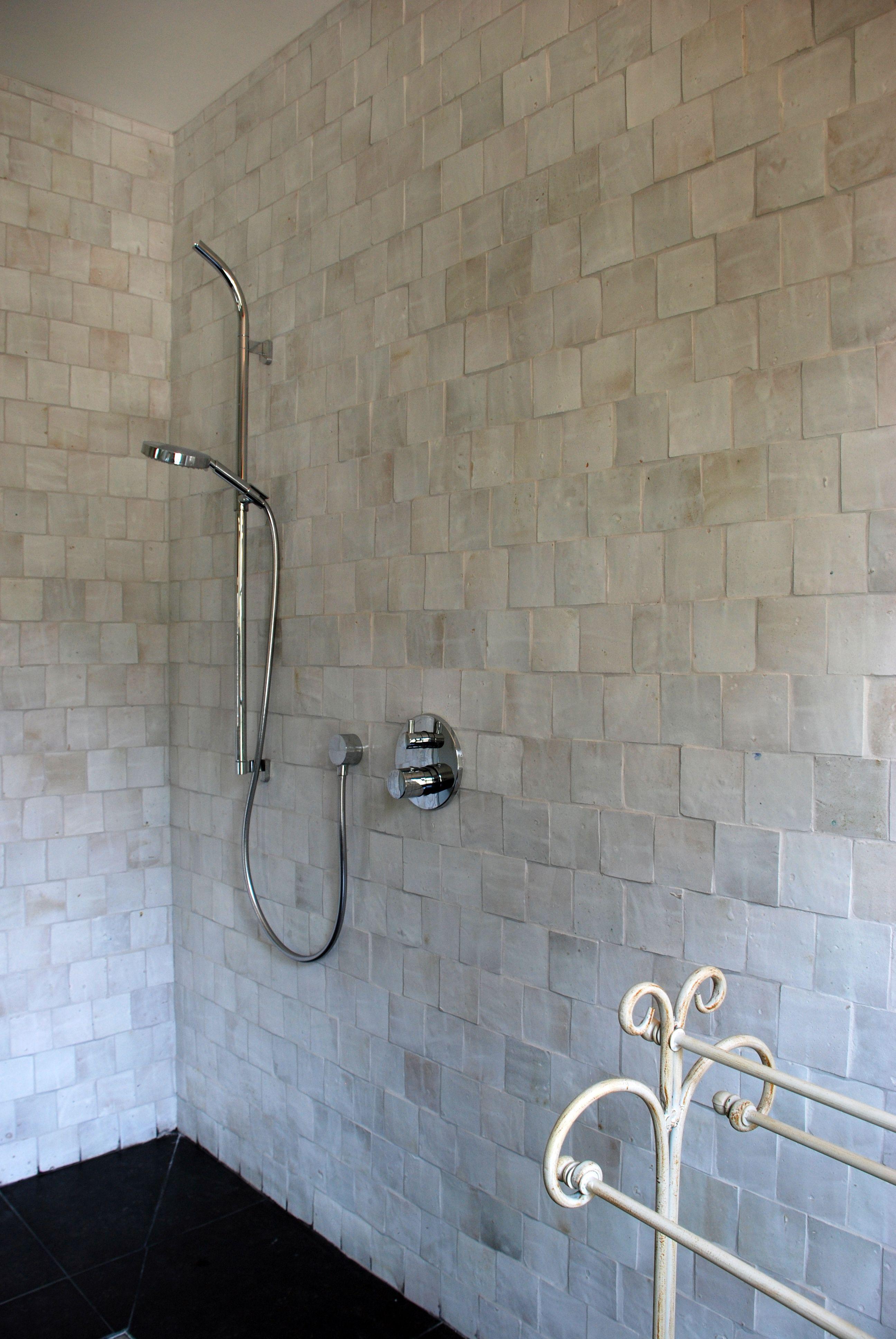 Op zoek naar een originele wandbekleding voor uw badkamer ...
