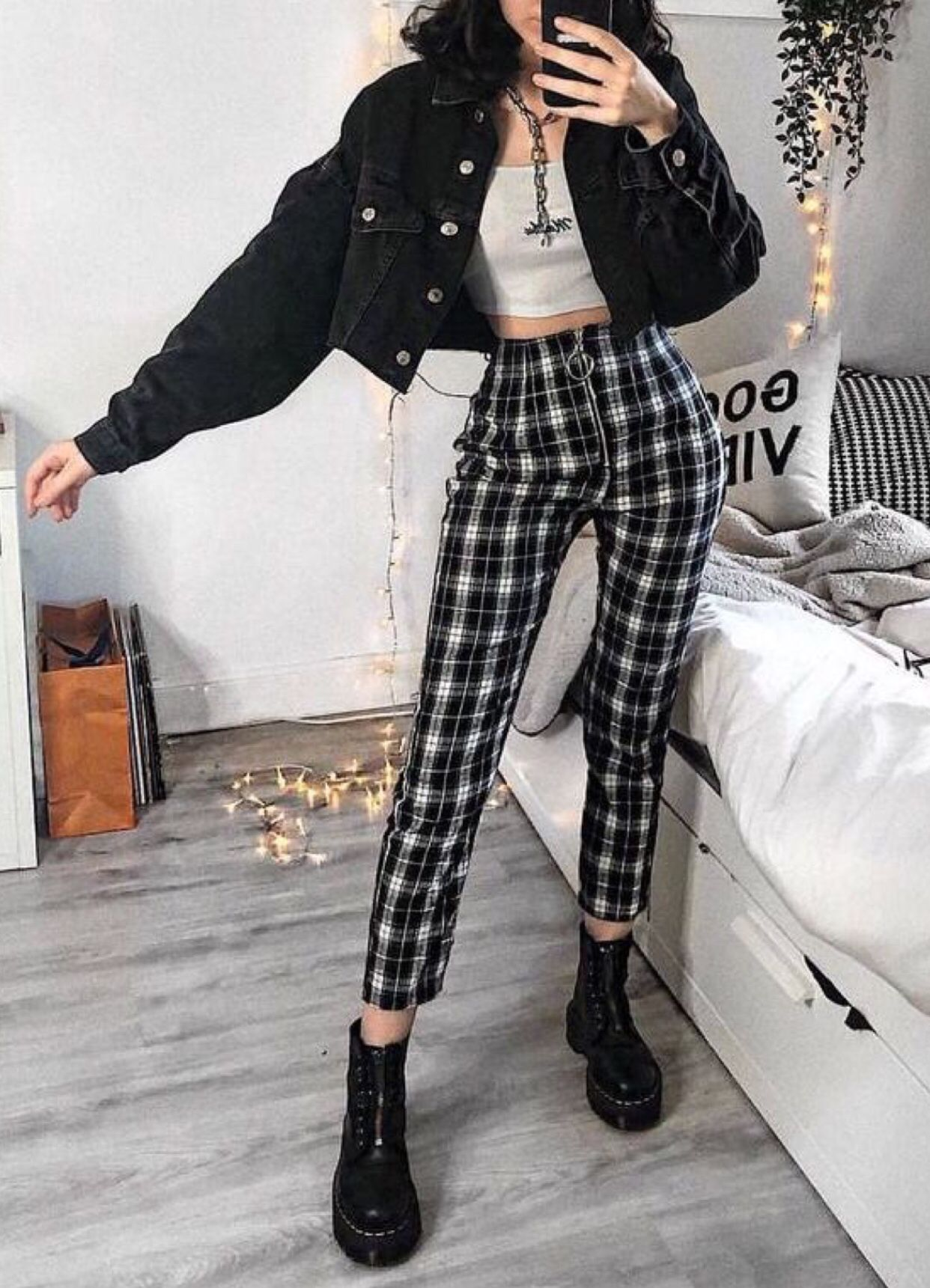 Pin By Alexandra Barcan On C L O T H E S Aesthetic Clothes Edgy Outfits Fashion