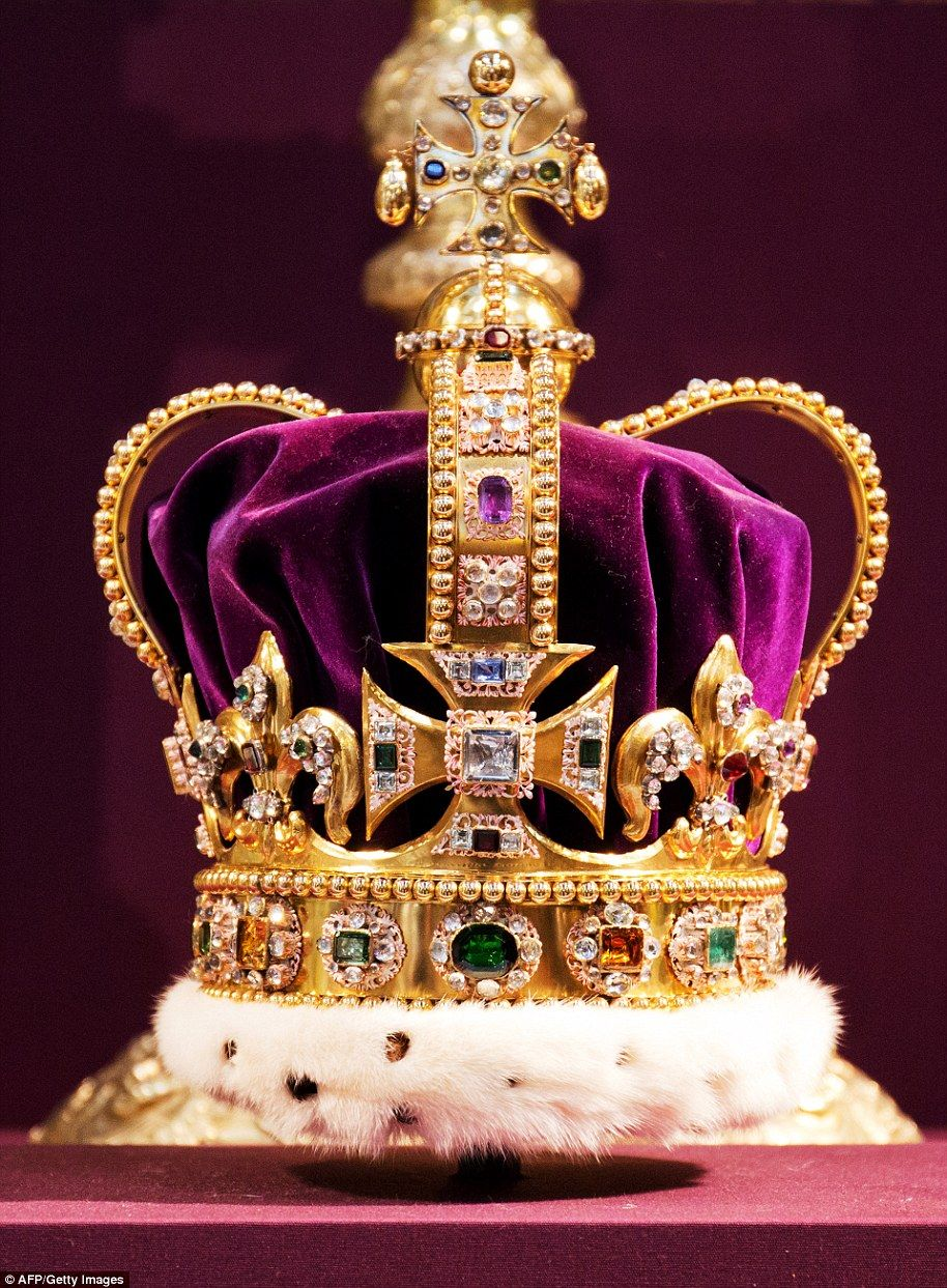 Why Queen Elizabeth 'Is Entirely Disinterested in Jewelry