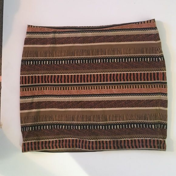 Forever 21 tribal skirt Lined super comfortable stretchy so fits medium as well Forever 21 Skirts Mini
