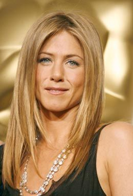 coiffure jennifer aniston cheveux longs blonds et raides. Black Bedroom Furniture Sets. Home Design Ideas