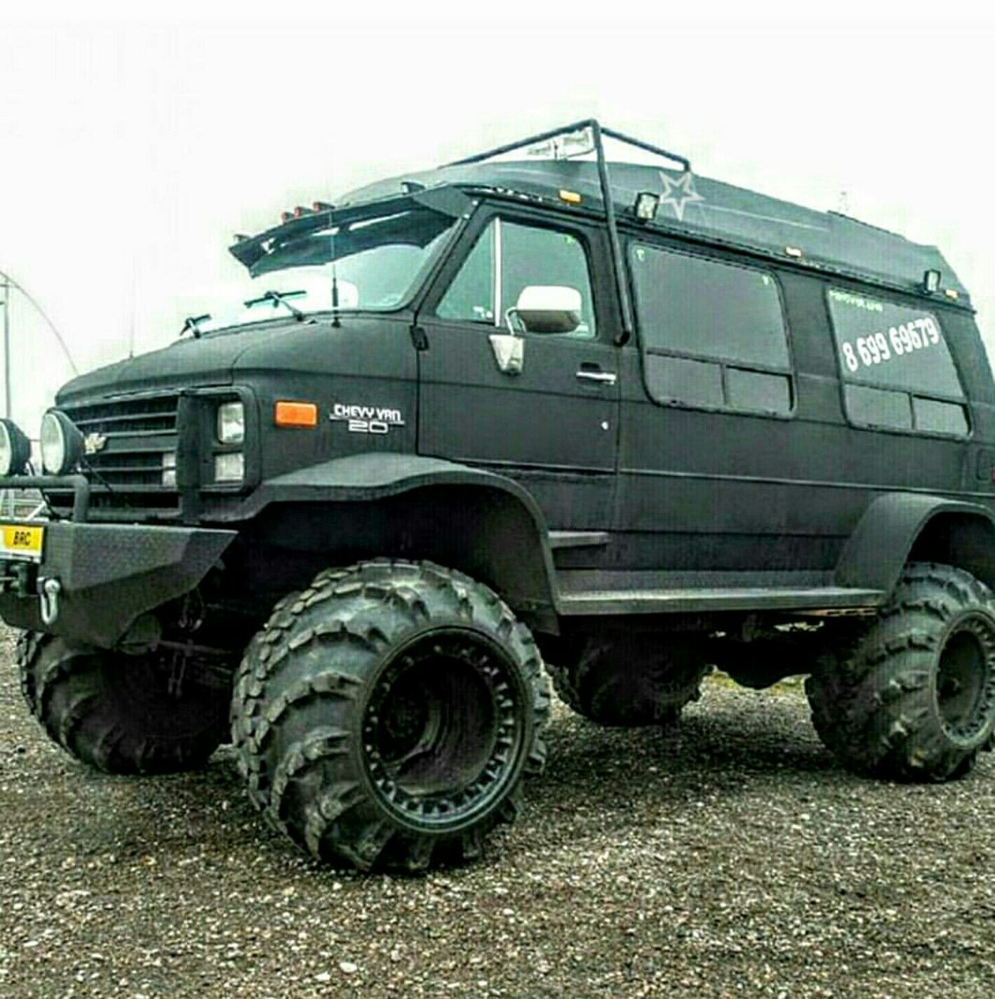 Now that is a family van! | Jeep Wrangler Unlimited | Pinterest ...
