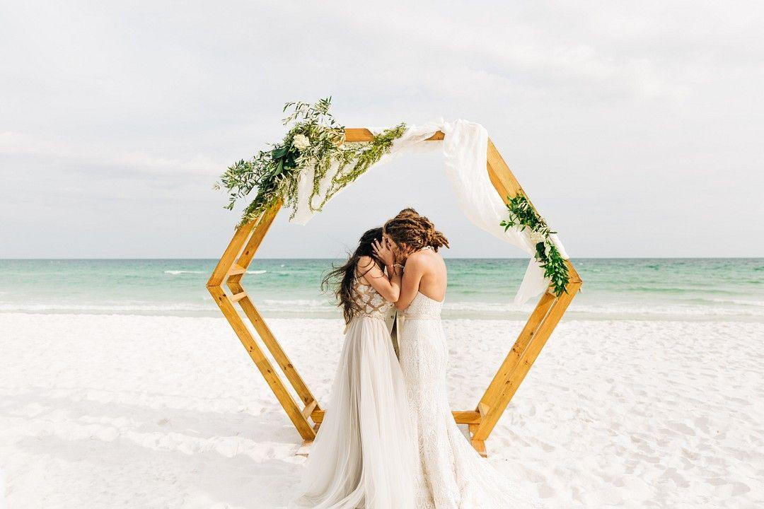 Carefree Bohemian Beach Wedding In Pensacola Florida In 2020 Bohemian Beach Wedding Bohemian Beach Beach Wedding