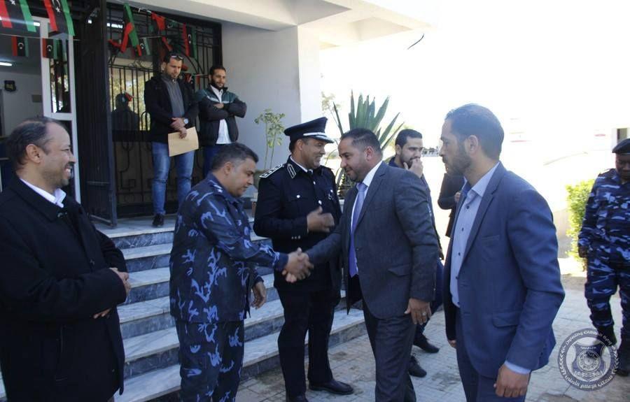 جولة تفقدية لوكيل وزارة الداخلية لشؤون الهجرة بمراكز إيواء المهاجرين بطرابلس Libya Academic Dress Fashion