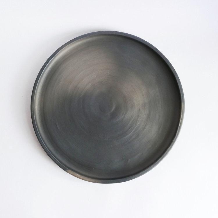 Handmade black ceramic plate 29cm at Cachette.com & Handmade black ceramic plate 29cm at Cachette.com | Food Table ...