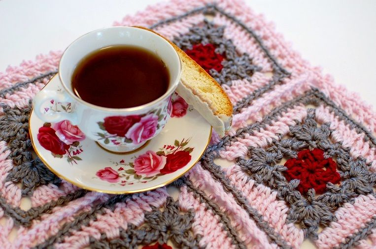 12 Easy and Free Crochet Patterns for Newbies   GleamItUp