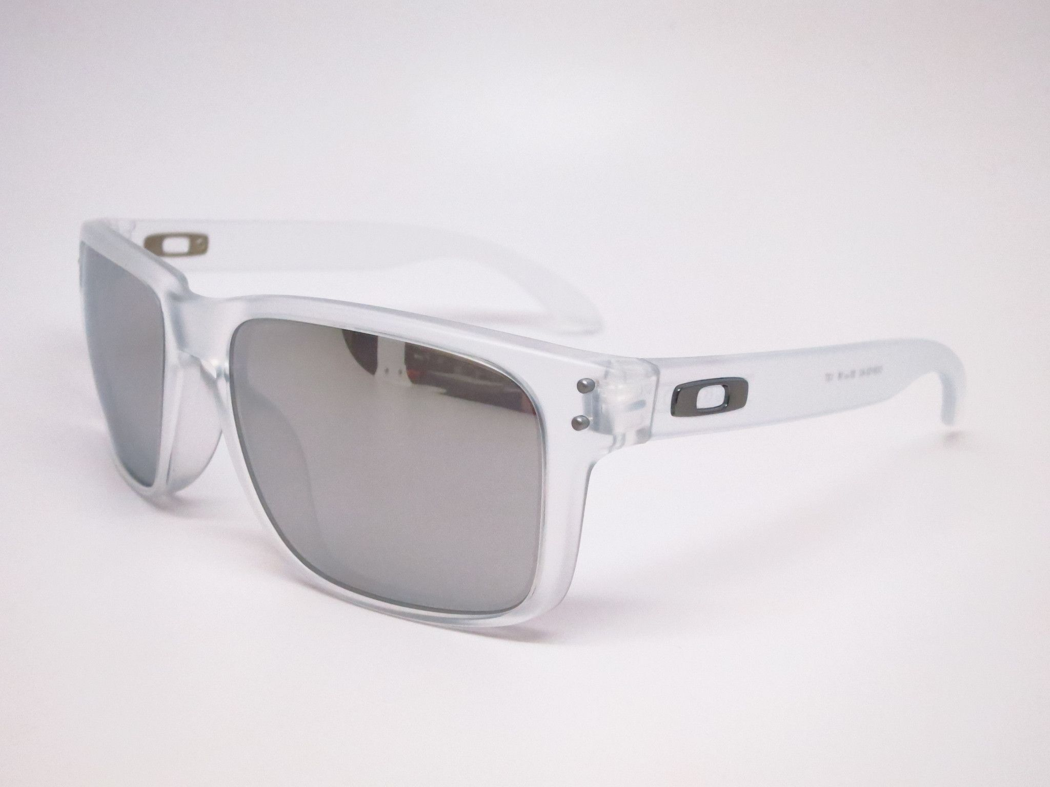 Oakley Holbrook OO9102-A2 Matte Clear Sunglasses   Gafas y Accesorios