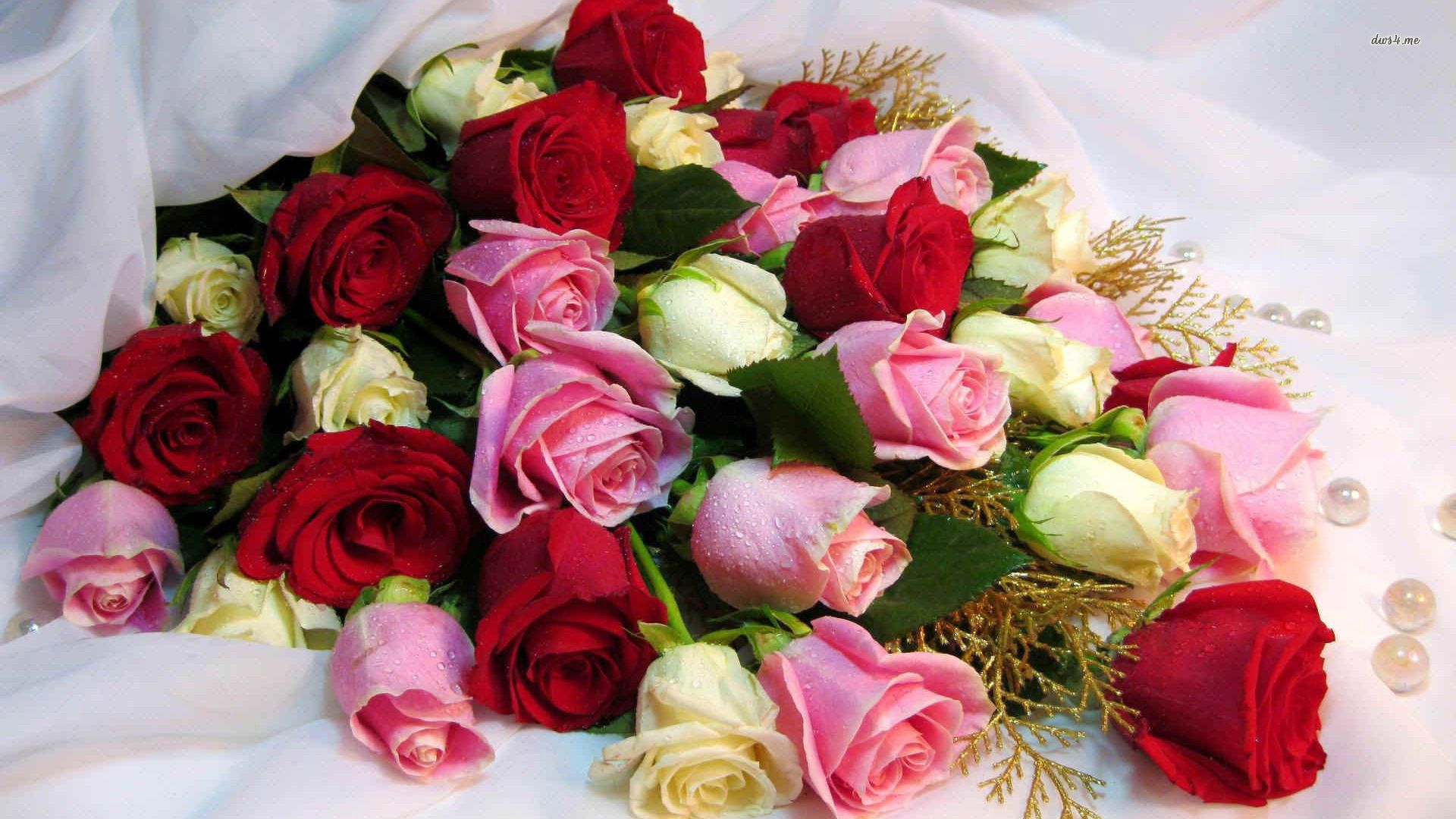 HD Image Woman Spring Flowers Bouquet Of Roses Wallpaper