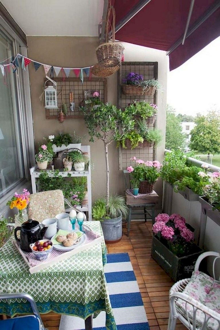 25+ Comfortable Apartment Balcony Decorating Ideas - Page 25 of 25