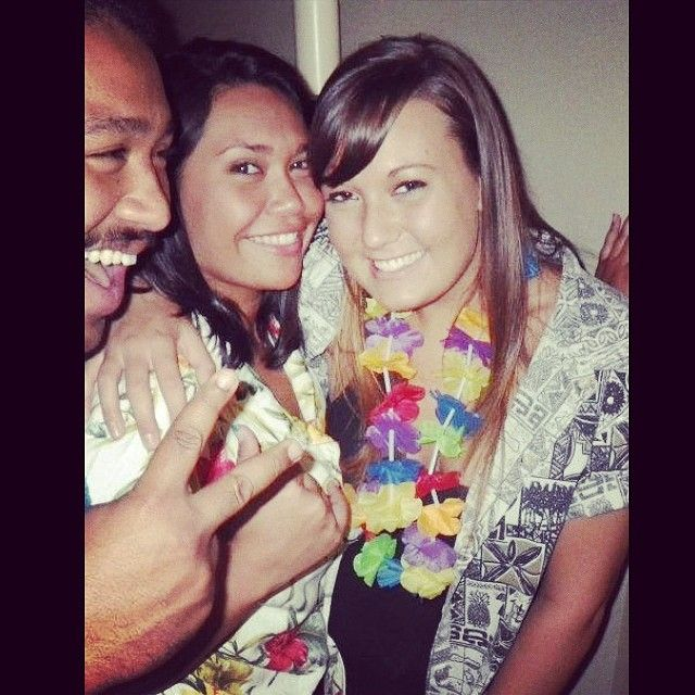 http://drunklyfe.com/tbt-to-that-kickass-tropical-thirsty-thursday-party-in-may-2012-drunktimes-tropicalthirstythursday-seemssolongago-cutepic-oldroommate-19yrsyoung-drunklyfe/ - #19yrsyoung, #Cutepic, #Drunktimes, #Oldroommate, #Seemssolongago, #Tbt, #Tropicalthirstythursday