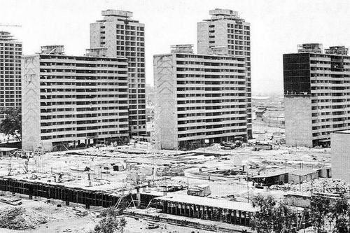 La construcción de la Unidad Habitacional Nonoalco-Tlatelolco, México DF, en 1963    Arq. Mario Pani -    Construction of Nonoalco-Tlatelolco, Mexico City in 1963