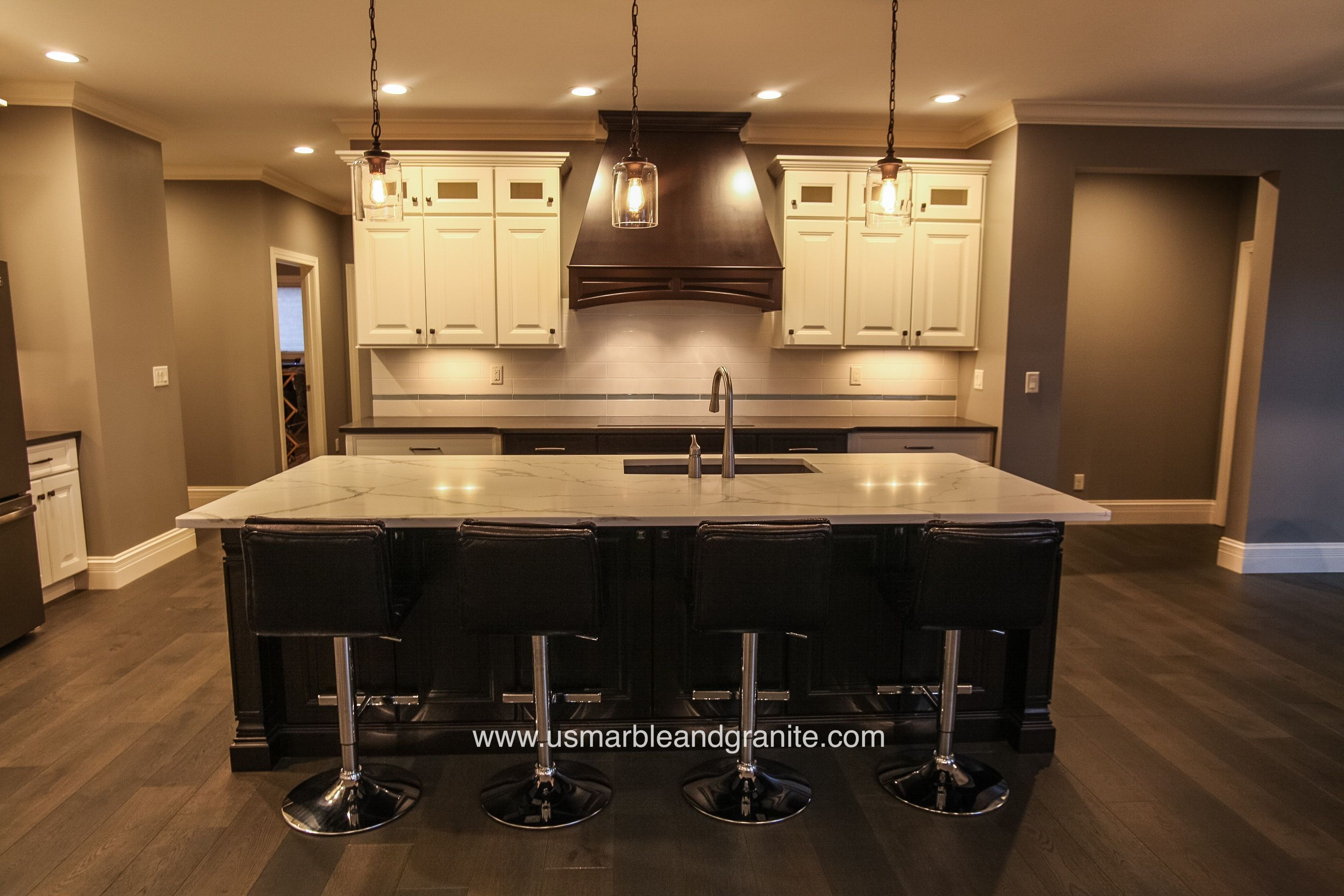 Dunlap Il Kitchen Cabinets Are Aristokraft Maple Rouge With Tan Brown Granite Tops Kitchen Cabinets Brown Kitchens Kitchen Remodel