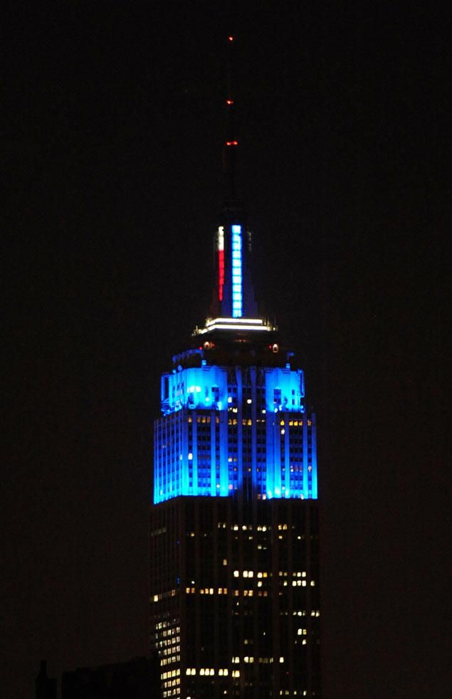 Empire State Building lit up in blue in celebration of Obama's win. | www.nydailynews.com | Photo: Bryan Smith/New York Daily News