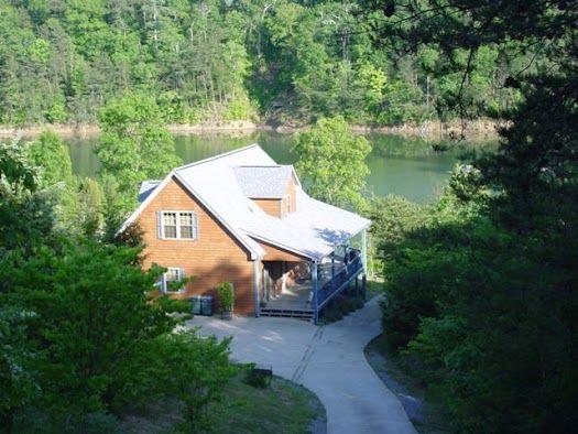 Knasgowa Lakefront Cabin Rental Located Lakefront On