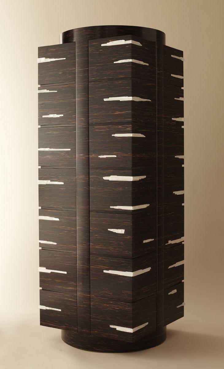 Design / Meubles : Cabinet de curiosités WABI en bois de palmier et gypse. Création Brigitte Saby, réalisation Yann Jallu