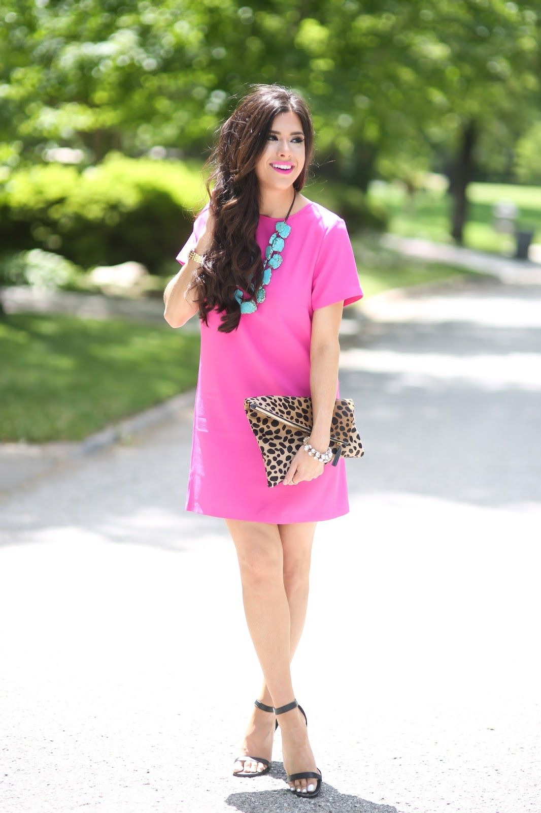 obsessed with her clothes. I need to go shopping for new summer dresses, like NOW :)