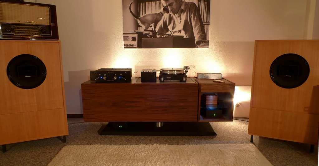 Modern Hifi modern hifi with custom speakers altec components audio