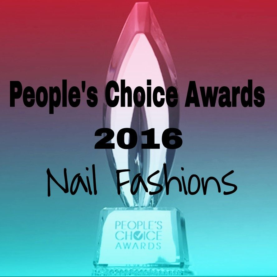 Do you ever wonder what people have on their nails at red carpet events?  I have a nail fashion wrap up from the People's Choice Awards on the blog!